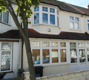 House To Let in Hambrook Road, London