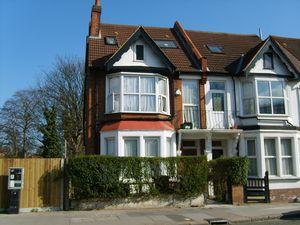 Apartment / Flat To Let in Bensham Lane, CROYDON