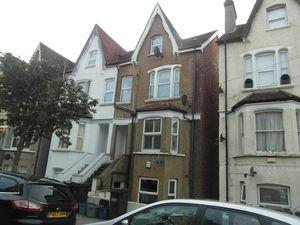 Apartment / Flat To Let in Heathfield Road, Croydon