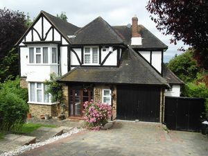 House To Let in Beechwood Road, South Croydon