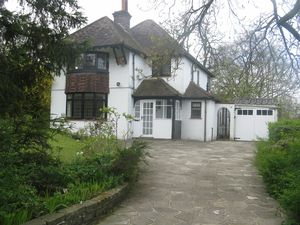 House To Let in Selcroft Road, Purley