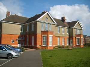 Apartment / Flat To Let in Cayton Road, Netherne on-the-hill, Coulsdon