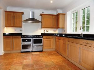 House To Let in Cayton Road, Coulsdon
