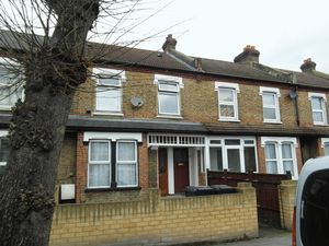 Apartment / Flat To Let in Morland Road, Croydon