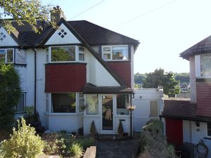 Apartment / Flat To Let in Famet Avenue, Purley