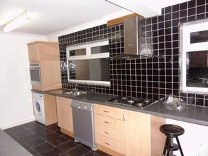 House To Let in Grasmere Road, Purley