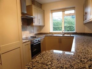 Apartment / Flat To Let in Lancaster Court, Banstead