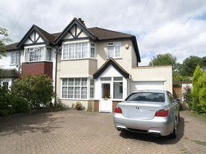 House To Let in Ruxley Lane, Epsom
