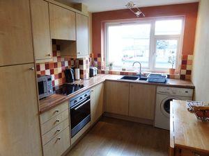 Apartment / Flat To Let in Maybury Close, Burgh Heath, Tadworth
