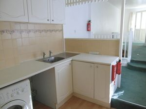 Apartment / Flat To Let in The Broadway, Croydon