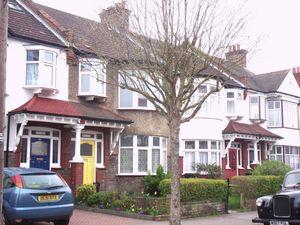House To Let in Ashburton Avenue, Croydon