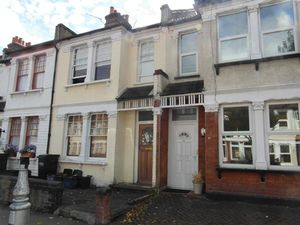 House To Let in Dalmally Road, Croydon
