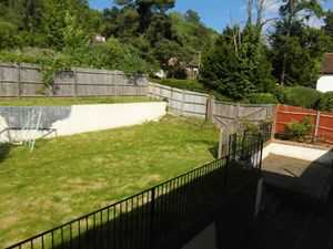 House To Let in Croham Valley Road, South Croydon