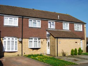 House To Let in Hawkesmoor Road, Crawley