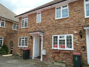 House To Let in Three Bridges, Crawley