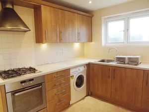 Apartment / Flat To Let in Broadfield, Crawley