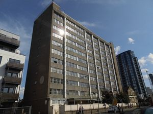 Apartment / Flat To Let in CROYDON