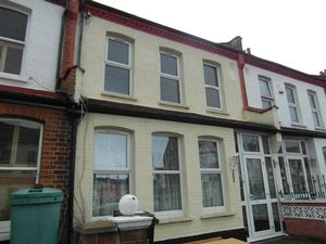 House To Let in Langdale Road, Thornton Heath