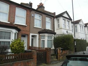 House To Let in Kynaston Road, Thornton Heath