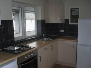 Apartment / Flat To Let in Broadwalk, CRAWLEY