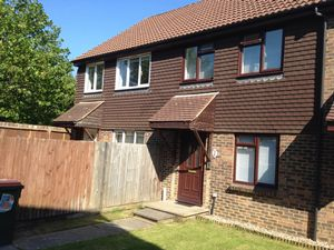 Apartment / Flat To Let in Windmill Court, Crawley