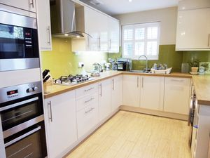 House To Let in Lansdowne Road, Purley