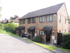 House To Let in Sunnydene Road, Purley