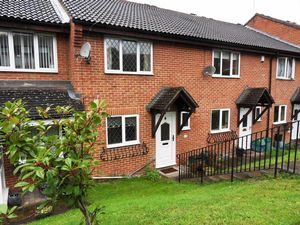 House To Let in Aveling Close, Purley