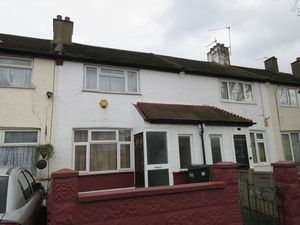 Apartment / Flat To Let in Thornton Road, Croydon