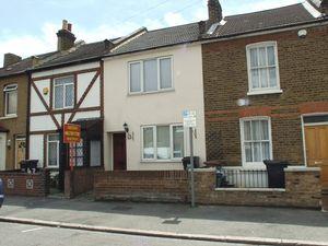 House To Let in Addington Road, CROYDON