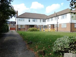 Property To Let in Whytecliffe Road North, Purley