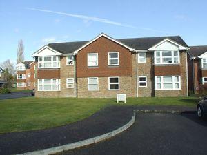 Apartment / Flat To Let in HORSHAM