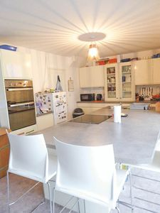 Kitchen/Breakfast- click for photo gallery