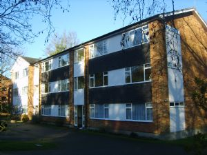 Apartment / Flat To Let in Kenley
