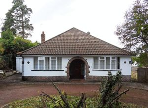 Bungalow To Let in Kenley