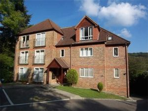Apartment / Flat To Let in Valley Road, Kenley