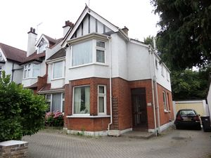 House To Let in Foxley Hill Road, Purley