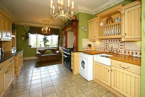 Breakfast Kitchen- click for photo gallery