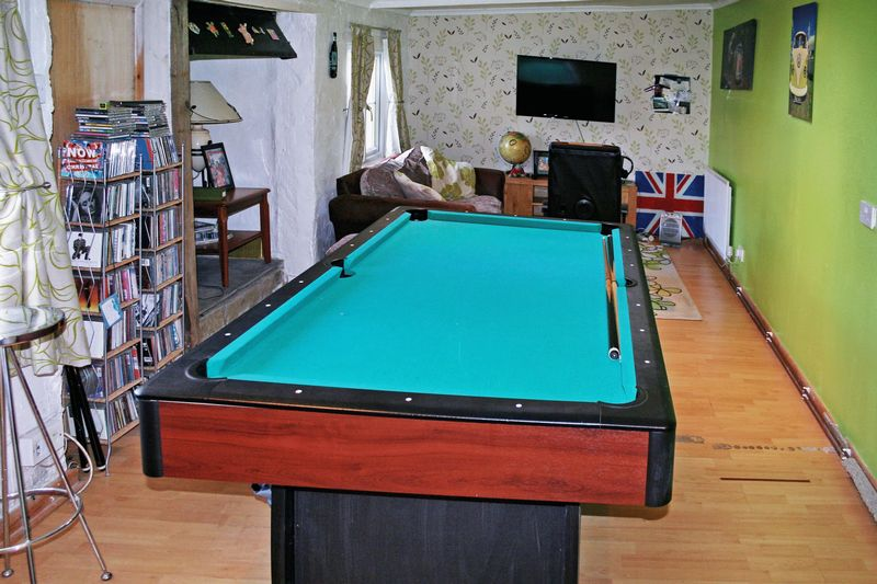 Family/Games Room- click for photo gallery