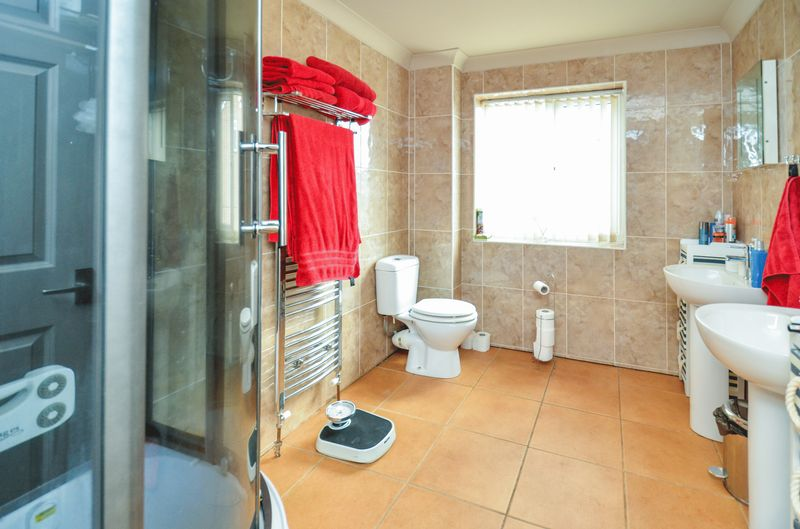 En-Suite to Master- click for photo gallery