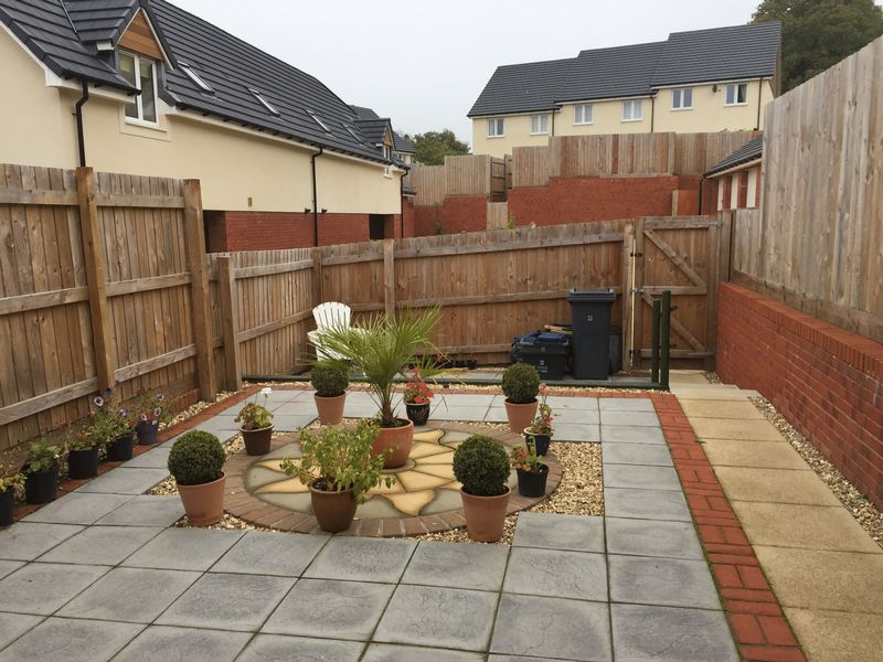 REAR ENCLOSED GARDEN- click for photo gallery