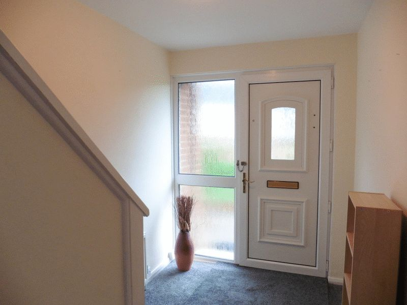 ENTRANCE HALLWAY- click for photo gallery