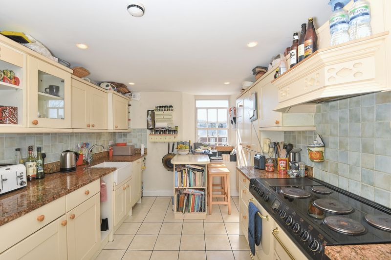 Kitchen / breakfast room- click for photo gallery