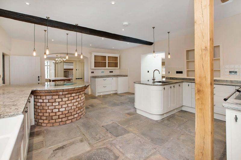 Kitchen- click for photo gallery