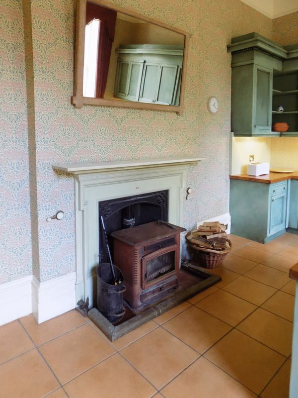 Kitchen wood burner- click for photo gallery