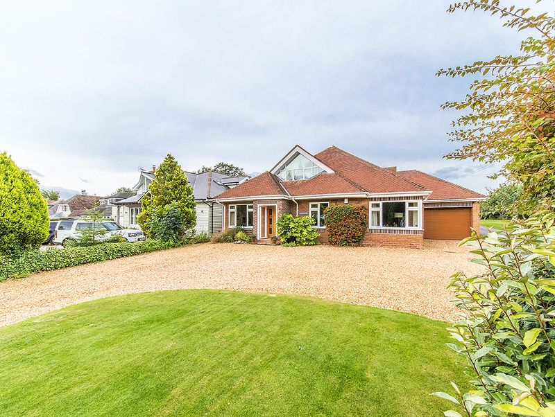 Property for sale in Bromsgrove Road, Clent
