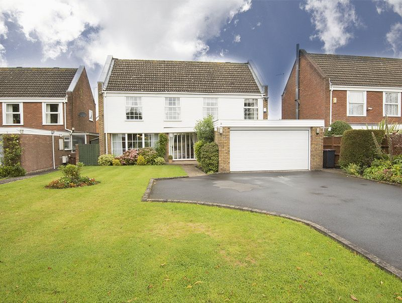 Property for sale in Hall Lane, Hagley