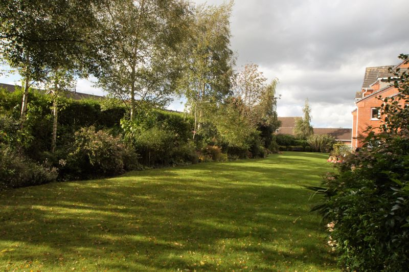 Lovell Court Communal Gardens- click for photo gallery